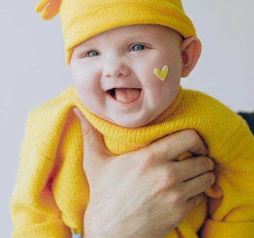 L'équilibre émotionnel du bébé : course image